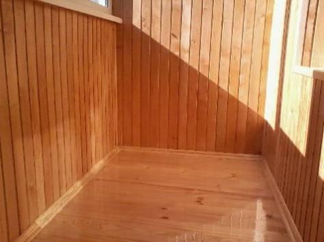 Внутренняя облицовка вагонкой и деревянный пол. Лак
